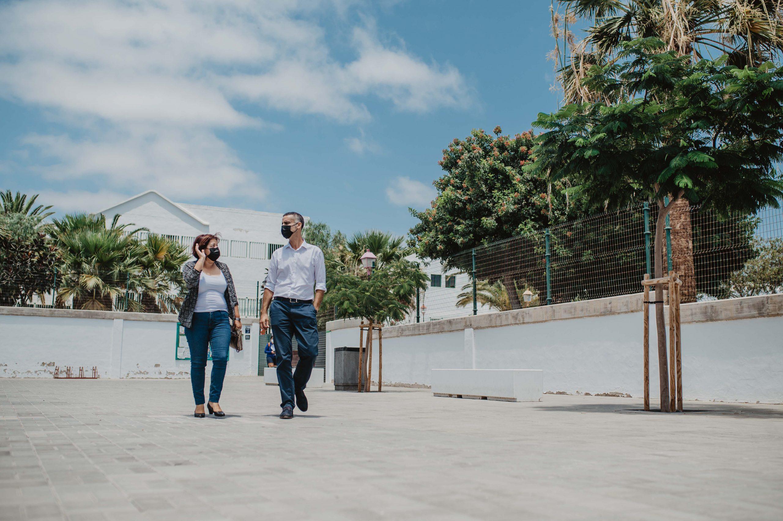 San Bartolomé pone a punto los colegios del municipio aprovechando el periodo estival