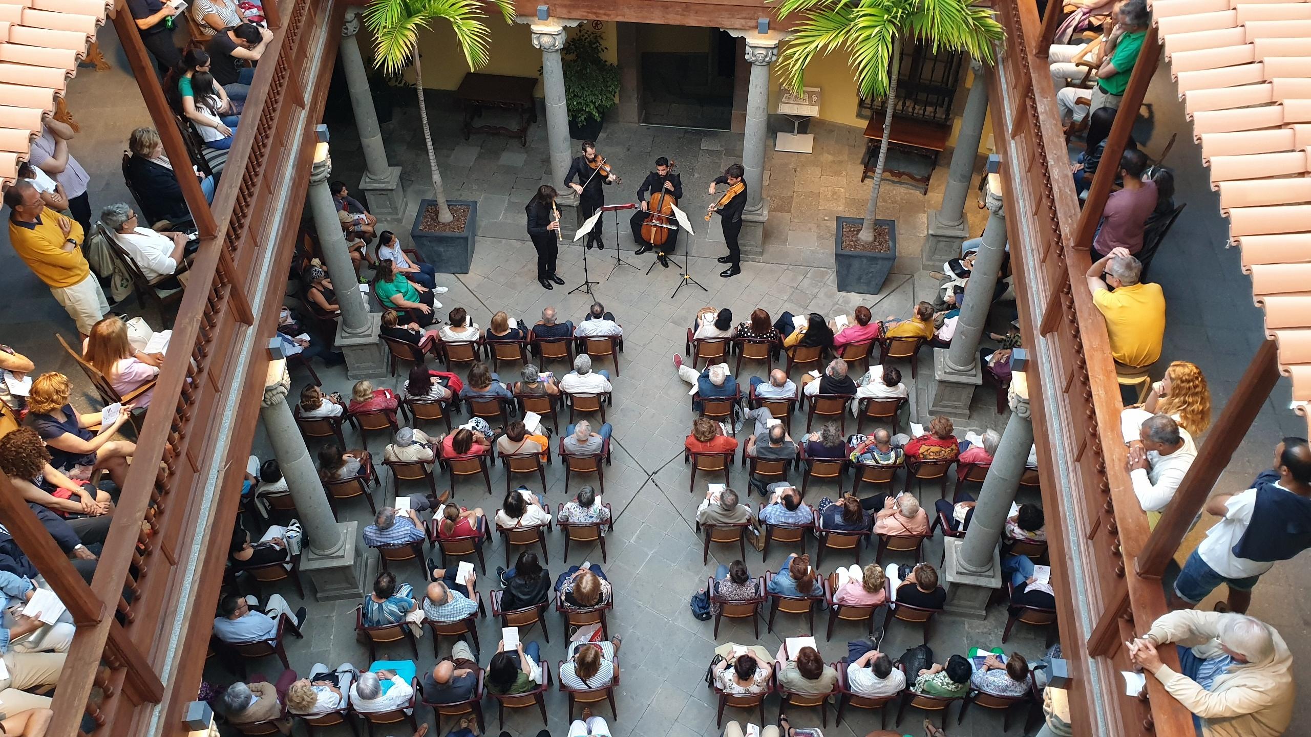 El ciclo 'Música antigua en el Patio' de la Casa de Colón acoge el concierto 'Quintetos para el Conde' de El Afecto Ilustrado