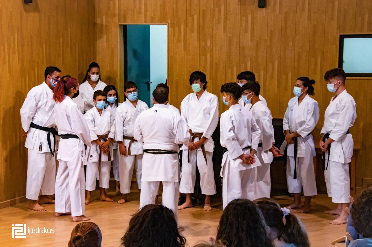 Lluvia de cinturones negros en Tías con la Escuela Municipal de Karate Club Suhari