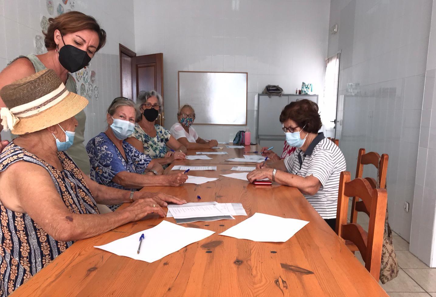 San Bartolomé pone a disposición de los mayores del municipio material didáctico que fomente su nivel cognitivo y potencie el ocio formativo