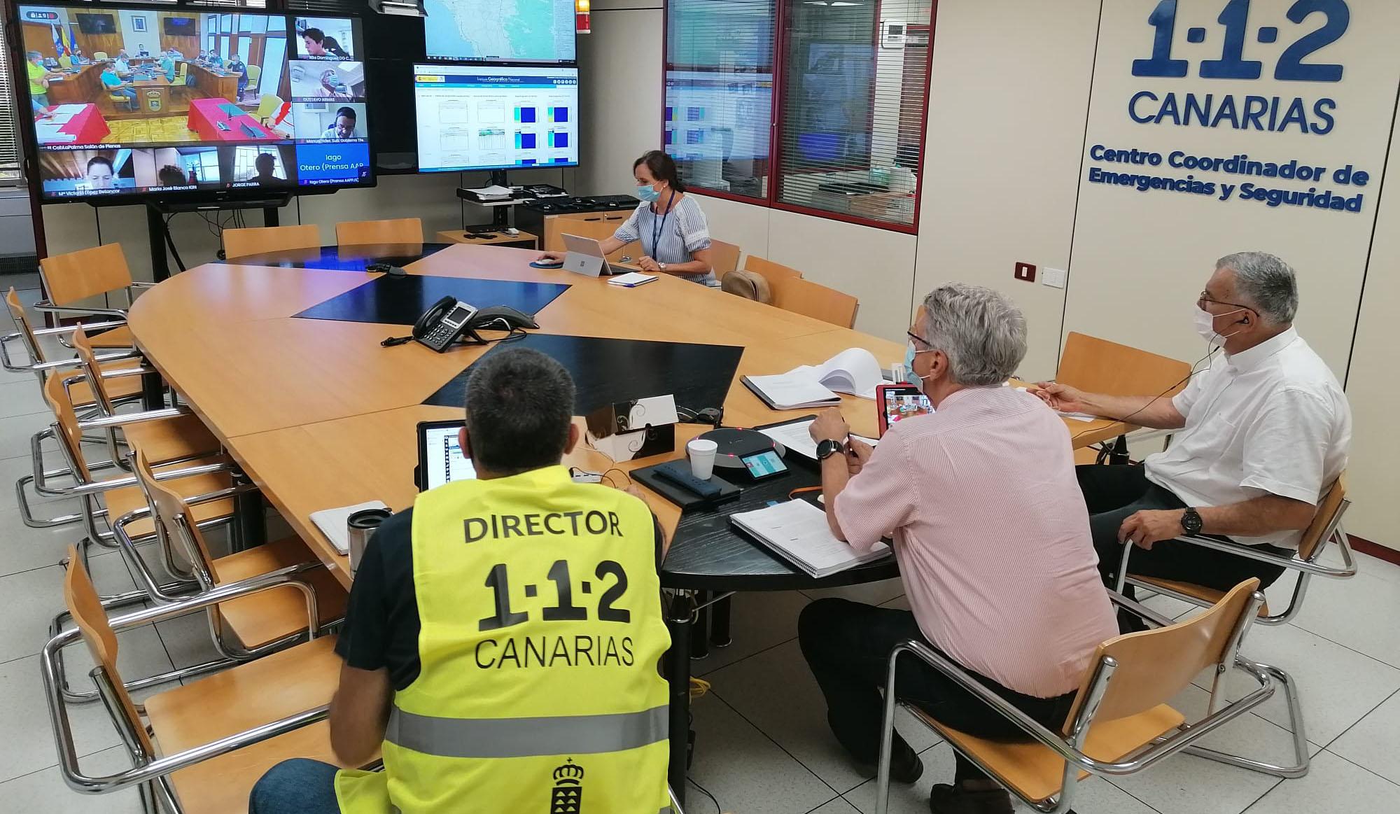 La Dirección del PEVOLCA comienza la evacuación preventiva de personas con movilidad reducida en núcleos de riesgo