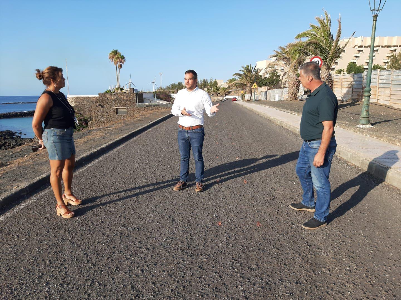 Teguise y Cabildo marcan el trazado para iniciar las obras del carril bici de Costa Teguise