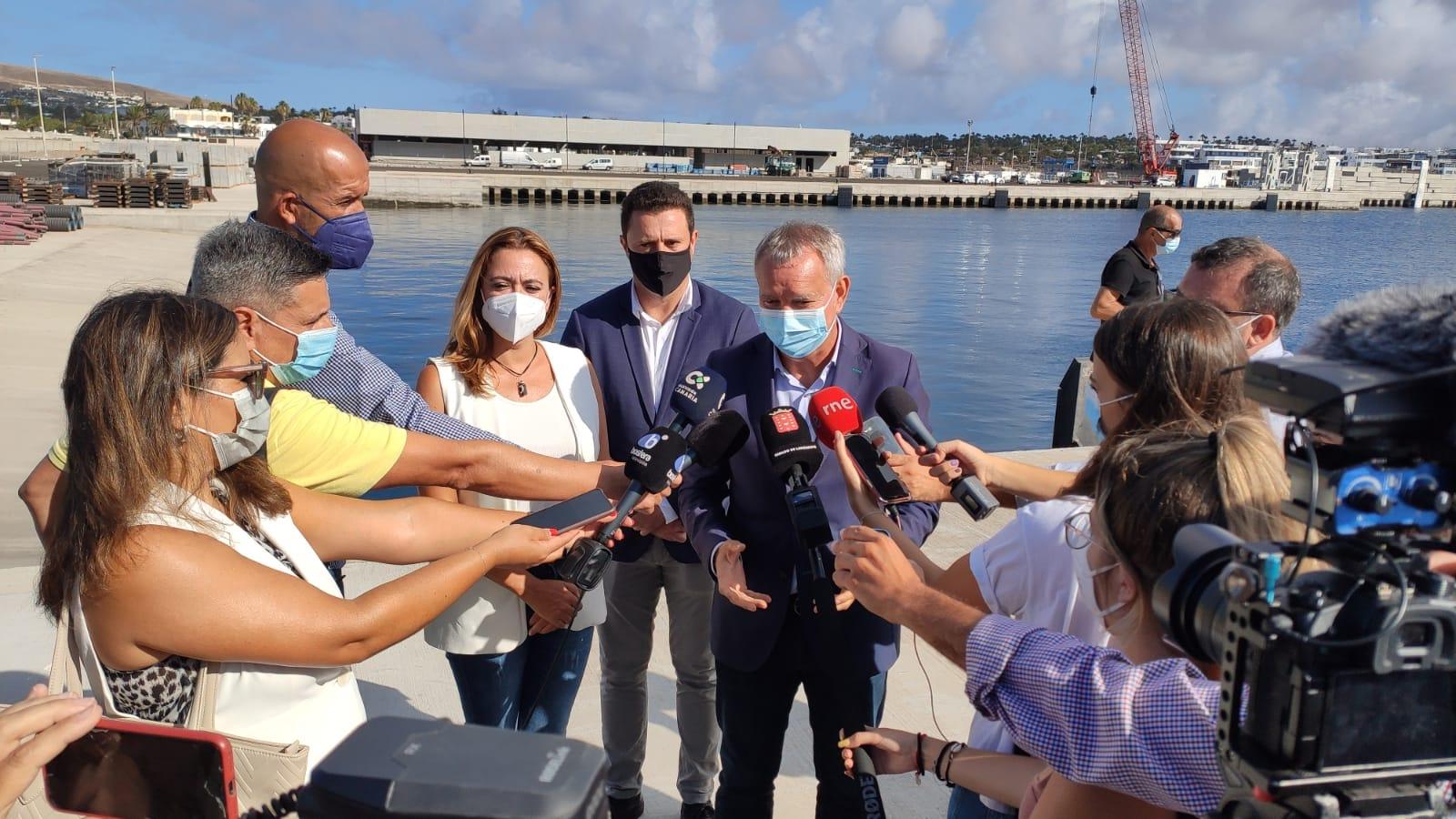 Obras Públicas emprende las últimas obras para poner en servicio el puerto de Playa Blanca a principios de 2022