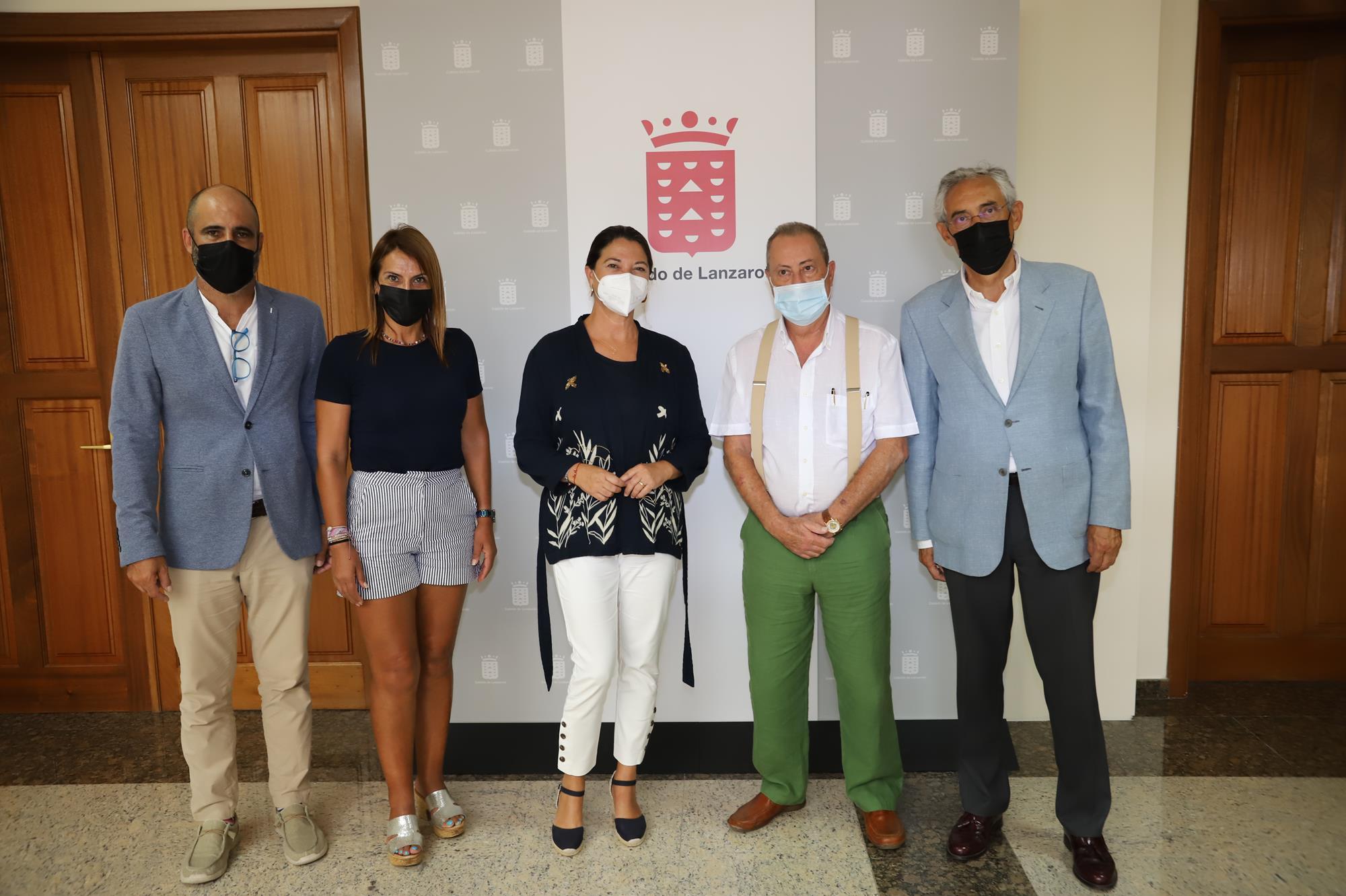 El Cabildo promueve la implantación de la Asociación Española contra el Cáncer en Lanzarote