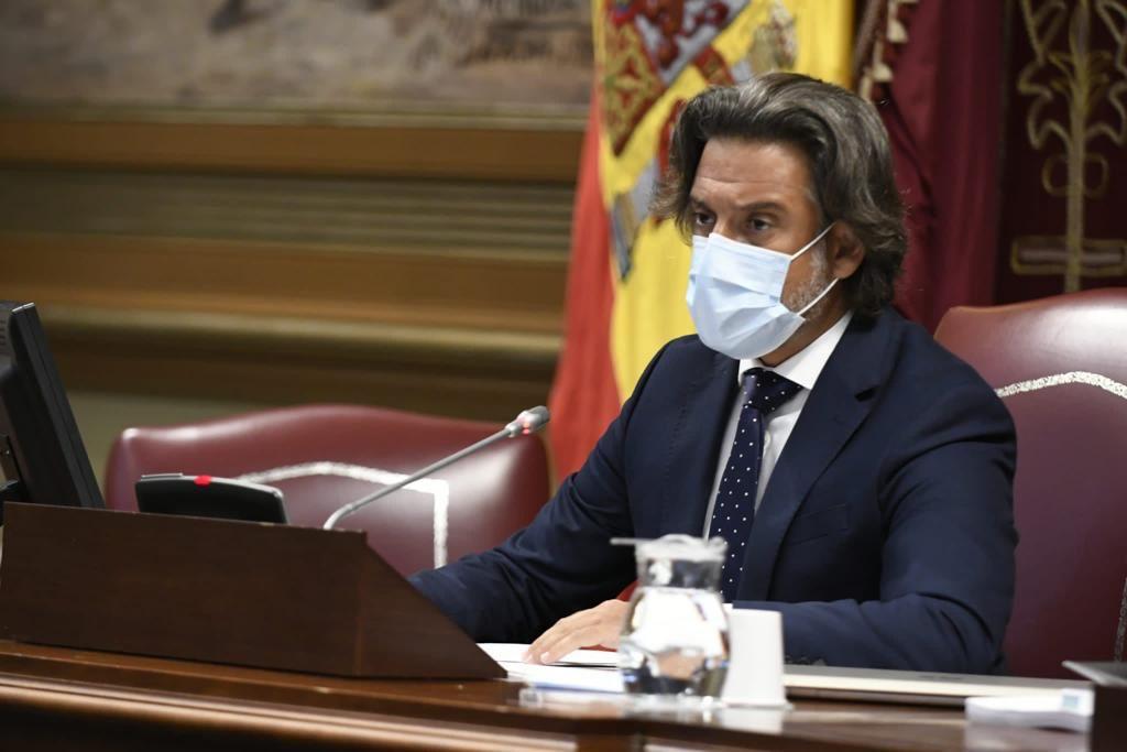 El Parlamento dona 200.000 euros a La Palma