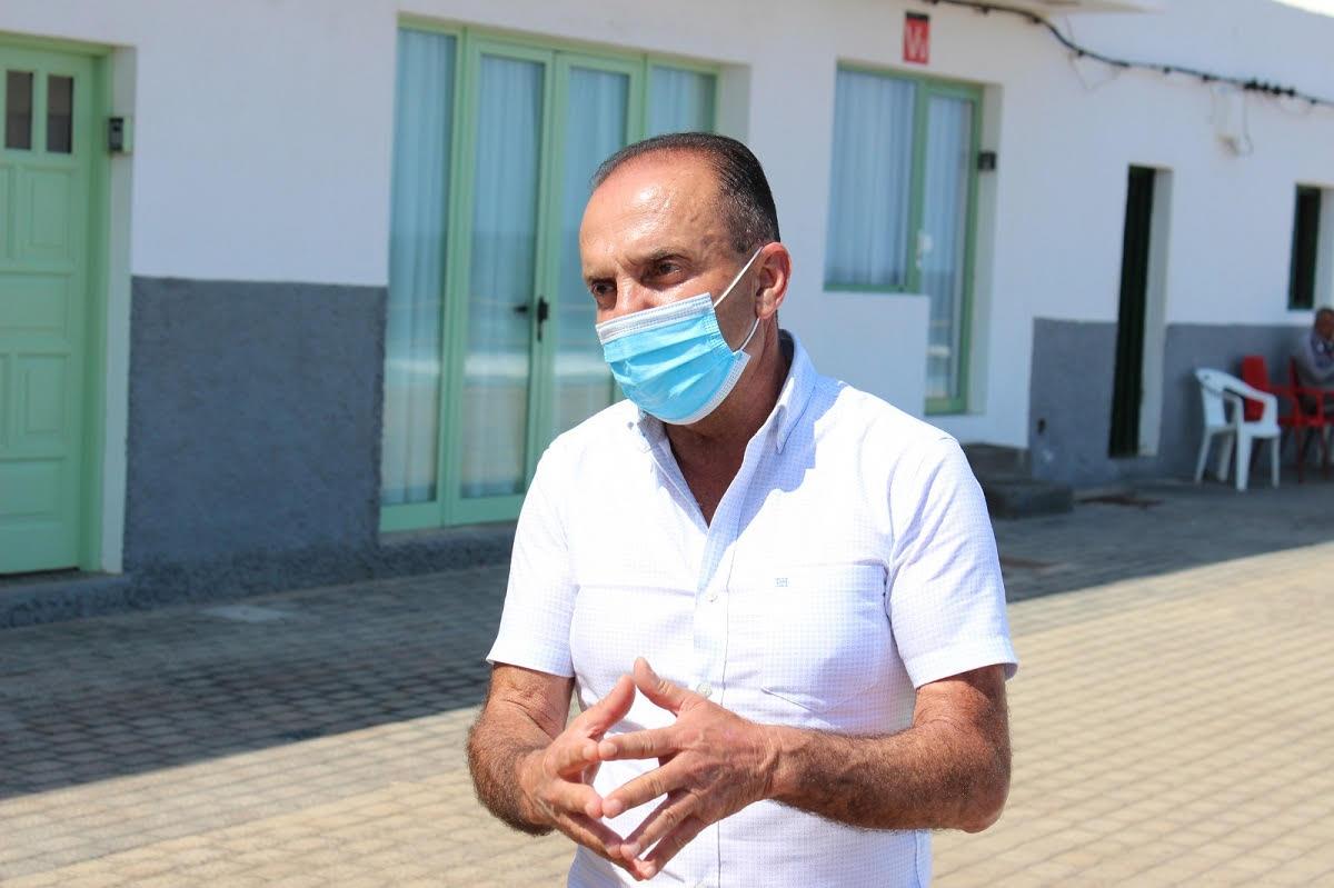 """Jesús Machín: """"Nunca he dicho corte usted el agua cuatro días a los vecinos de Tinajo porque sería una irresponsabilidad"""""""