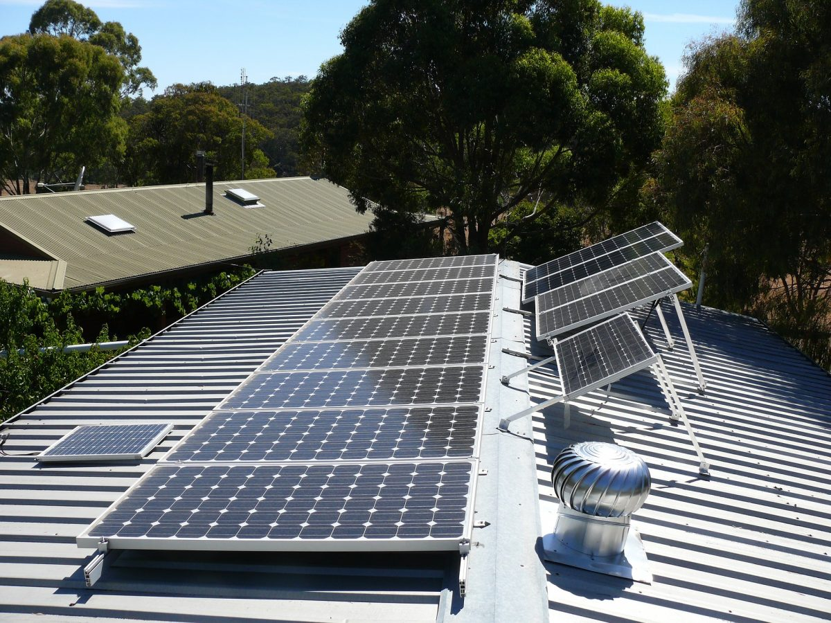 Más de 110 empresas canarias implantarán energías limpias este año con el apoyo de Transición Ecológica